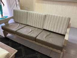 Sofa madeira de gramado