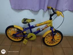 Bicicleta aro 16 Hot Whells Praticamente Nova