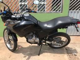 Vende-se Moto Teneré Yamaha