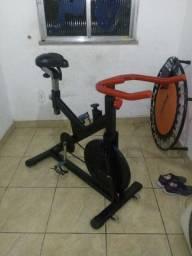 Bicicleta ergométrica spinning marca astro