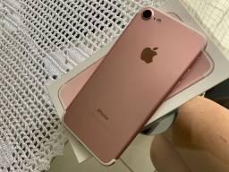 Iphone 7 32GB + cases