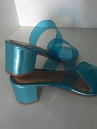 Tamanco azul metalizado