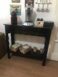 Mesa para cantinho de café novinha