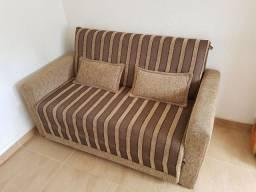 Sofá-cama semi-novo