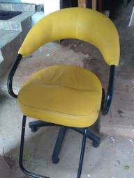Cadeira salão 220,00