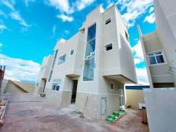 Sobrado em condomínio com terraço e 3 quartos à venda no bairro do Fazendinha.