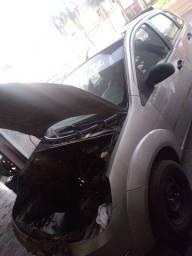 Fiesta 2005 para retirada de peças