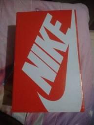 Título do anúncio: Vendo tênis Nike preto