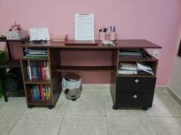 Mesa de estudos/ escrivaninha