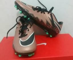 Chuteira Nike campo Hypervenom número 37 nova 98cf5e0d68ae6