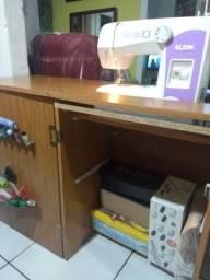 Máquina de costura Elgin pouco uso