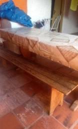 Mesa para churrasco com 2  bancos grandes em madeira