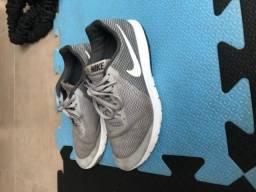 Tênis Nike Flex experience 39