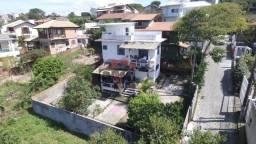 /. Casa com 2 dormitórios sendo 1 suíte na praia do Santinho!