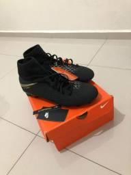 Chuteira Nike Hypervenom botinha CAMPO