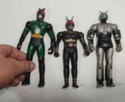 3 bonecos antigos Kamen Rider