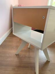 Mesa cabeceira branca