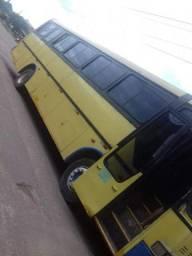 Ônibus  rodoviário  volkbsus com  51 lugares  ano  1995