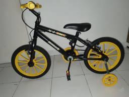 Vendo uma bicicleta nova nunca usada