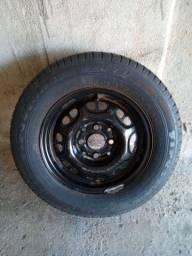 Roda 13 com pneus novos