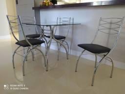 Mesa de Jantar com 4 Cadeiras Brigatto