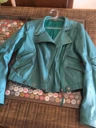 Título do anúncio: Jaqueta feminina Animale de couro usada