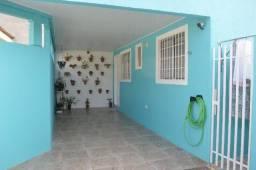 Casa térrea c/ 3 quartos, cozinha mobiliada com churrasqueira e fogão à lenha