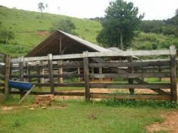 Linda fazenda porteira fechada