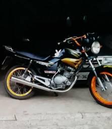 Vendo moto - 2004
