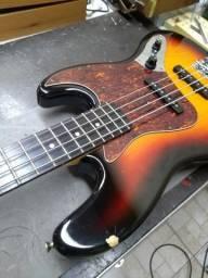 Contra baixo Eagle Jazz Bass