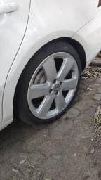 """Roda 17"""" Surf com pneus semi novos"""