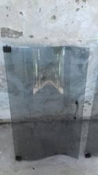 Portas de estantes vidro fume  R$ 40