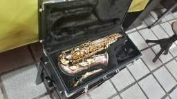 Saxofone da Marca Júpiter Completo