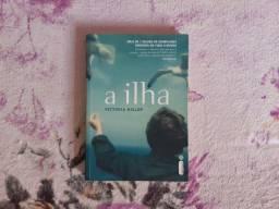 A ILHA - VICTORIA HILSLOP