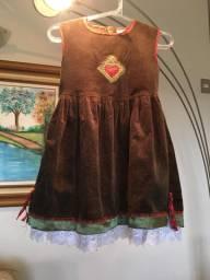 Lindíssimo vestido de veludo infantil