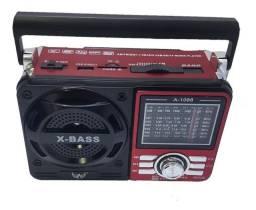 Rádio FM/AM com bluetooth, Pen drive e lanterna