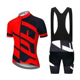 Uniformes de ciclismos novos