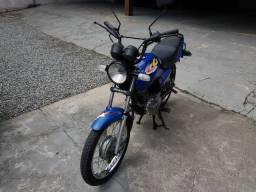 Vendo moto titan 125