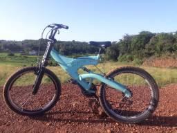 Vendo essa mountain bike fsk 27 menor valor 350 reais