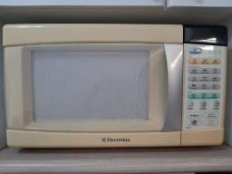 Micro-ondas 21L