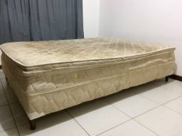 Estou doando uma cama box