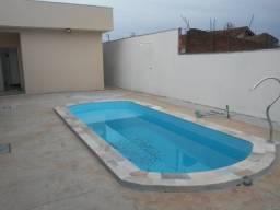 Ampla casa com 3 dormitórios e piscina no Pq São Geraldo