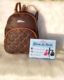 Estoque de bolsas e mochilas