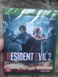 Título do anúncio: Jogo resident evil 2 pra Xbox one
