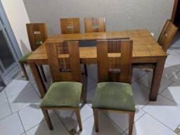 conjunto de mesa com 6 cadeiras madeira e assento estofado