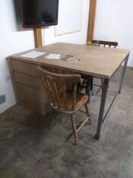 Mesa escritório estilo industrial
