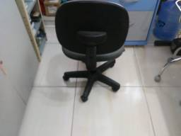 Cadeira giratória com rodas