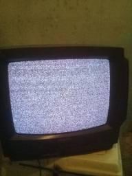 Vendo TV 20 polegadas sem controle remoto e Makita serra marmore