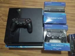 Título do anúncio: PS4 + 2 CONTROLES + PS CÂMERA + 10 GAMES (tudo em caixa com cabos)