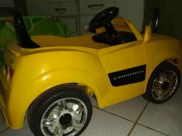 Camaro amarelo eletrico com controle $800.00 aceito cartão
